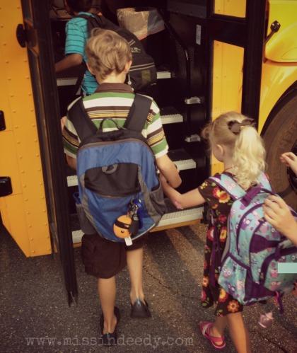 Getting_On_Bus_Missindeedy